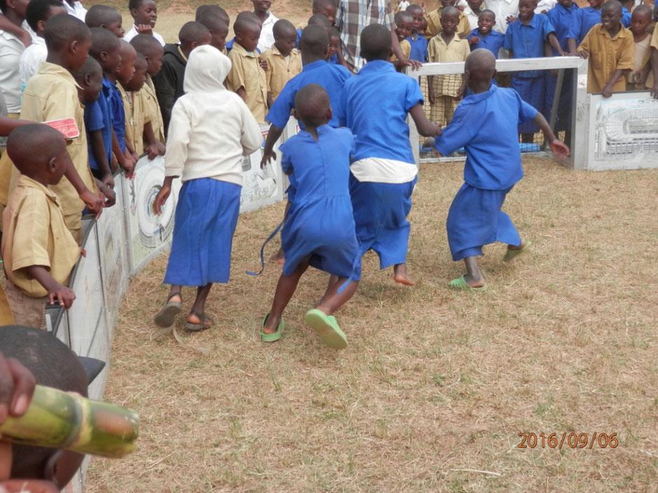 Fußball für Mädchen auch in Afrika