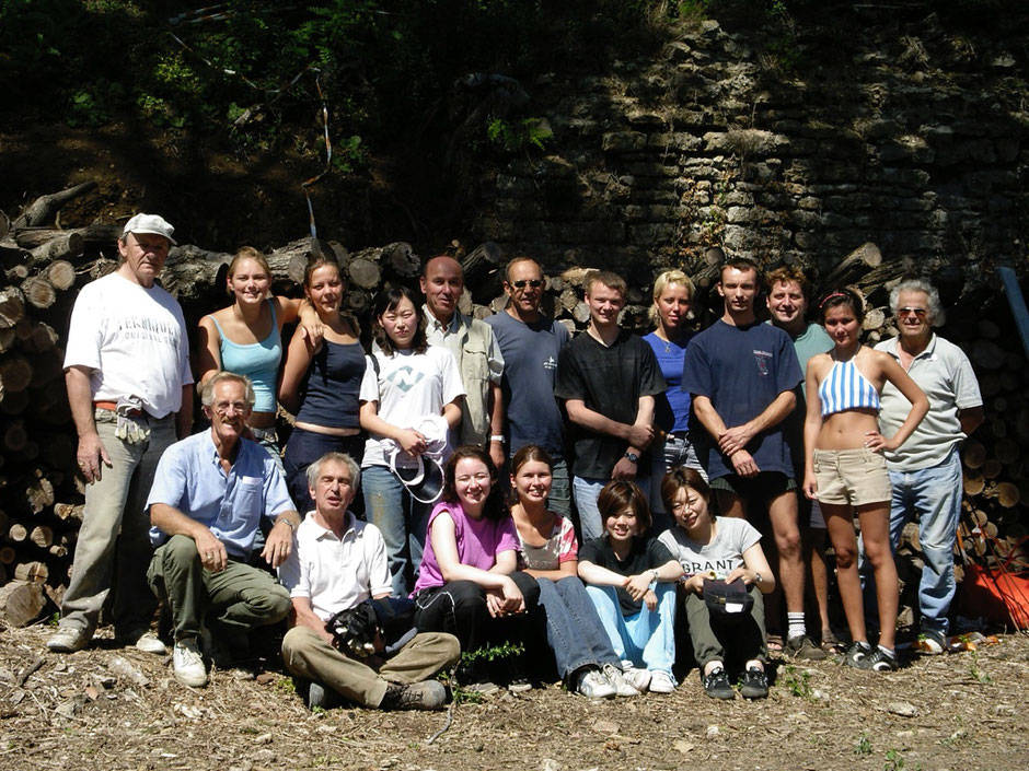 """L'équipe """" JEUNESSE & RECONSTRUCTION"""" 2005"""