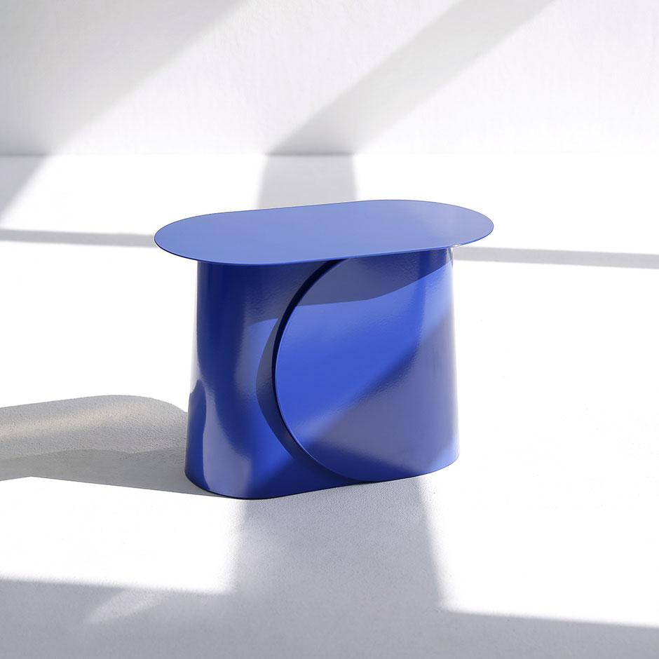 MAKI side table small by Martin Tony Häußler