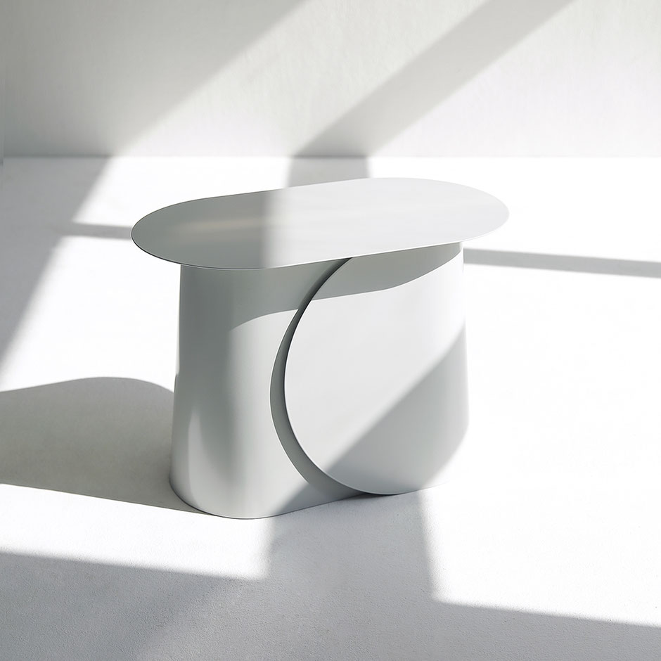MAKI side table large by Martin Tony Häußler