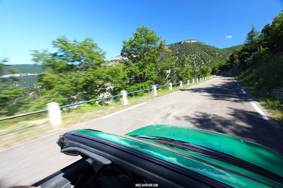 sur la route de la lavande, Gorge de la Nesque, PROVENCE. www.missaventure.com. blog voyage d'aventures,nature et photos