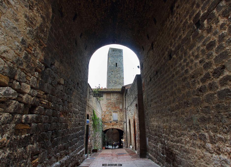 San Giminiano, village de Toscane, ITALIE, www.missaventure.com blog voyage d'aventures nature et photos.