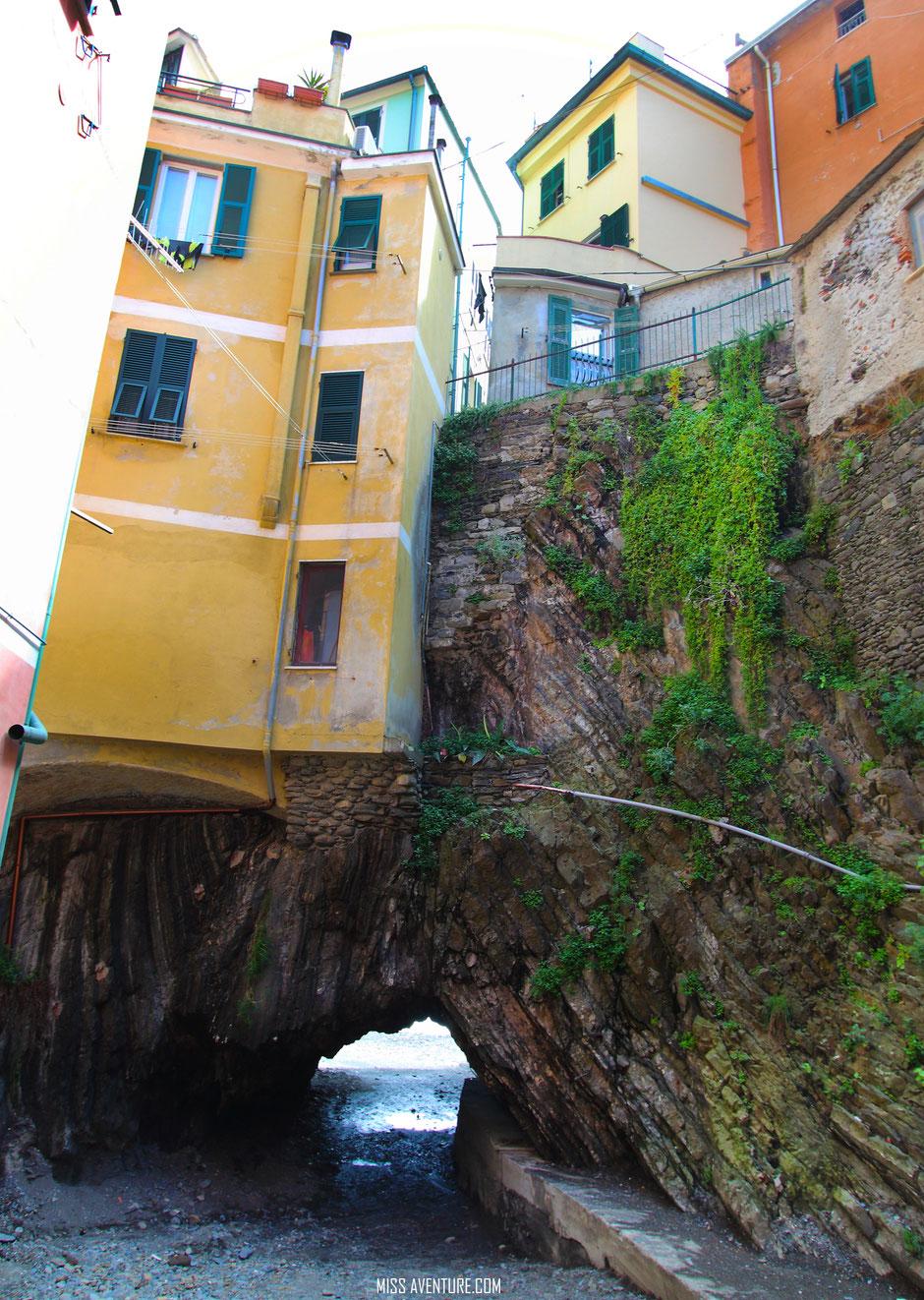 Vernazza, CINQ TERRE. (ITALIE) www.missaventure.com blog voyage d'aventures nature et photos