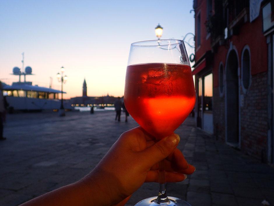 Un bon verre de Spritz pour trinquer à cette première journée.