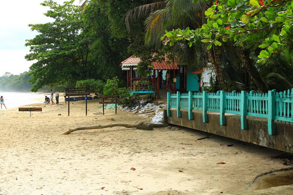 Cahuita, village, entrée parc national. COSTA RICA. missaventure blog