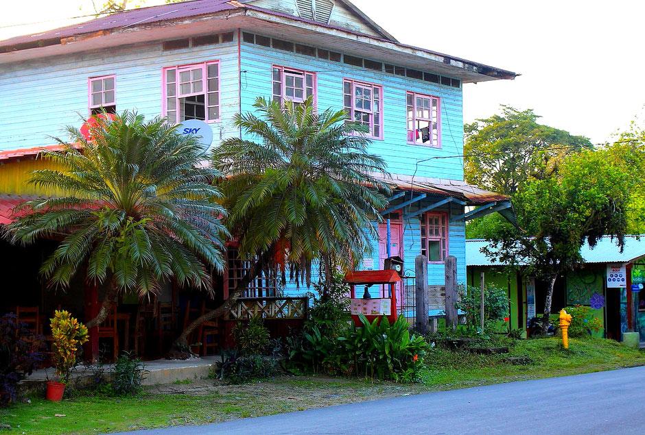 Cahuita village. COSTA RICA. missaventure blog