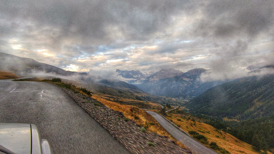 ROAD TRIP EN 4X4, SUR LA ROUTE DES GRANDES ALPES  (FRANCE). col de la Vars.   www.missaventure.com blog d'aventures, nature et reflexions green.