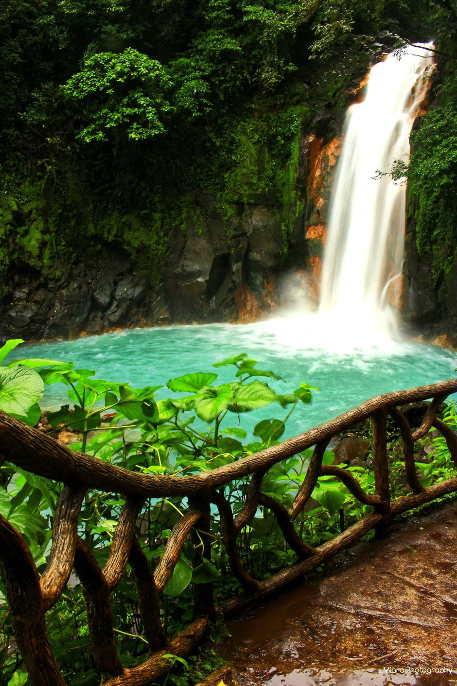 Rio Celeste. COSTA RICA. missaventure blog