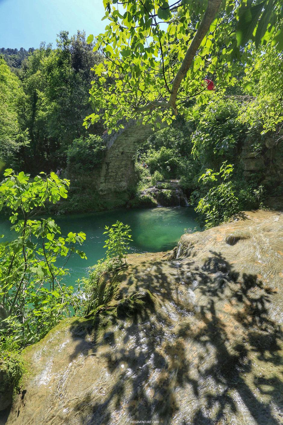 Pont des Tuves, gorges de la Siagne, ESTEREL (FRANCE). www.missaventure.com blog d'aventures, nature et reflexions green.