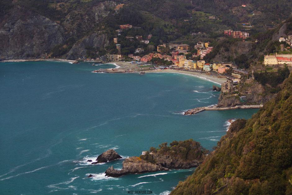 sur le sentier pour Vernazza, CINQ TERRE (ITALIE). www.missaventure.com blog voyage d'aventures nature et photos