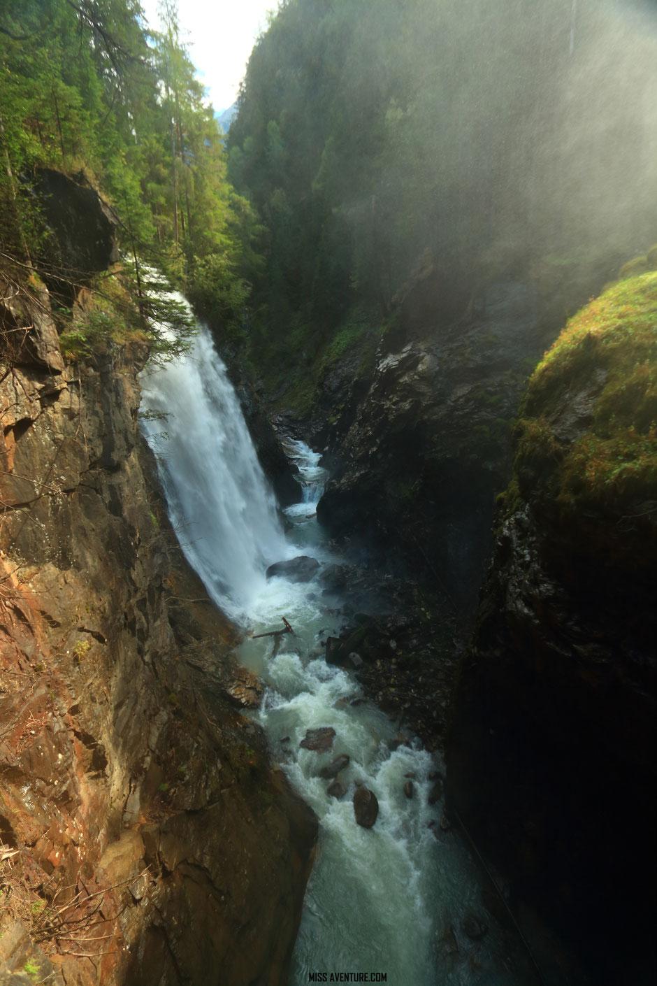 Cascade de Riva, ITALIE, road trip dans les Dolomites. www.missaventure.com blog voyage d'aventure nature et photos