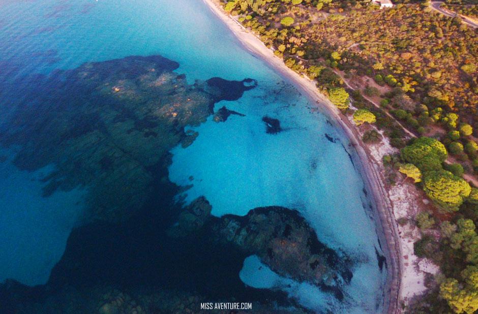 les plages du Sud, CORSE PALOMBAGGIA EN DRONE. www.missaventure.com blog voyage d'aventures nature et photos, Road Trip Corse du Nord au Sud.