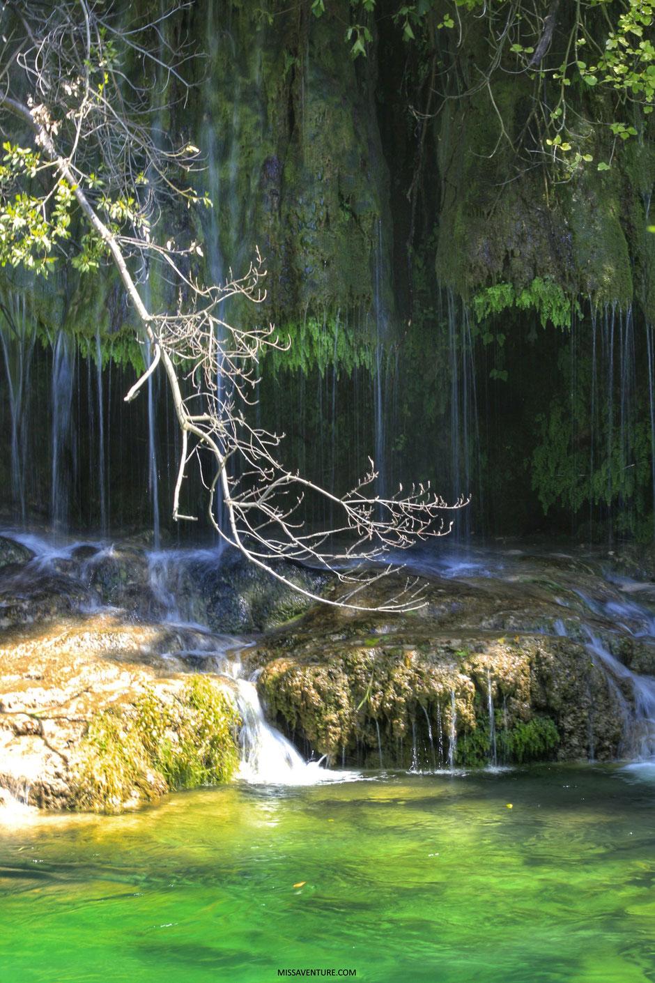 Cascade de Tuf, gorges de la Siagne, ESTEREL (FRANCE). www.missaventure.com blog d'aventures, nature et reflexions green.