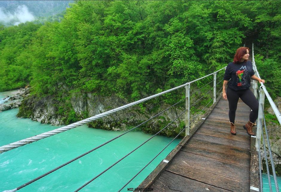 Road trip en Slovénie, la rivière Soca. www.missaventure.com blog voyage d'aventures nature et photos.