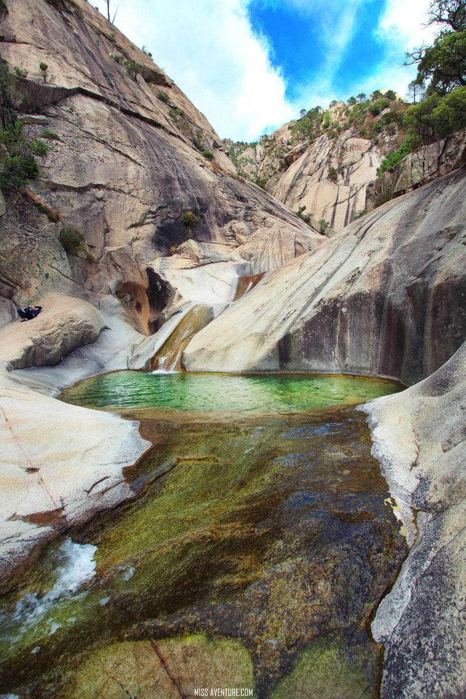 Piscines naturelles de PURCARACCIA. CORSE. www.missaventure.com blog voyage d aventures nature et photos