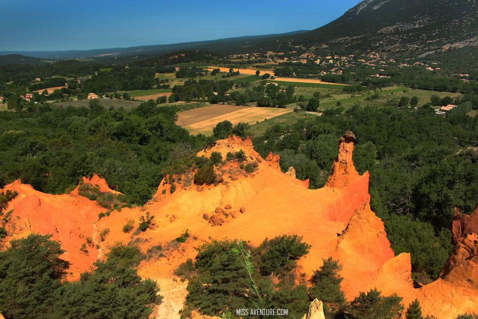 Colorado provencal, les cheminées. VAUCLUSE. www.missaventure.com. blog aventures, nature et photos