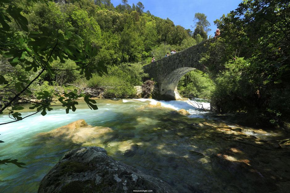 Pont des Rey, gorges de la Siagne, ESTEREL (FRANCE). www.missaventure.com blog d'aventures, nature et reflexions green.