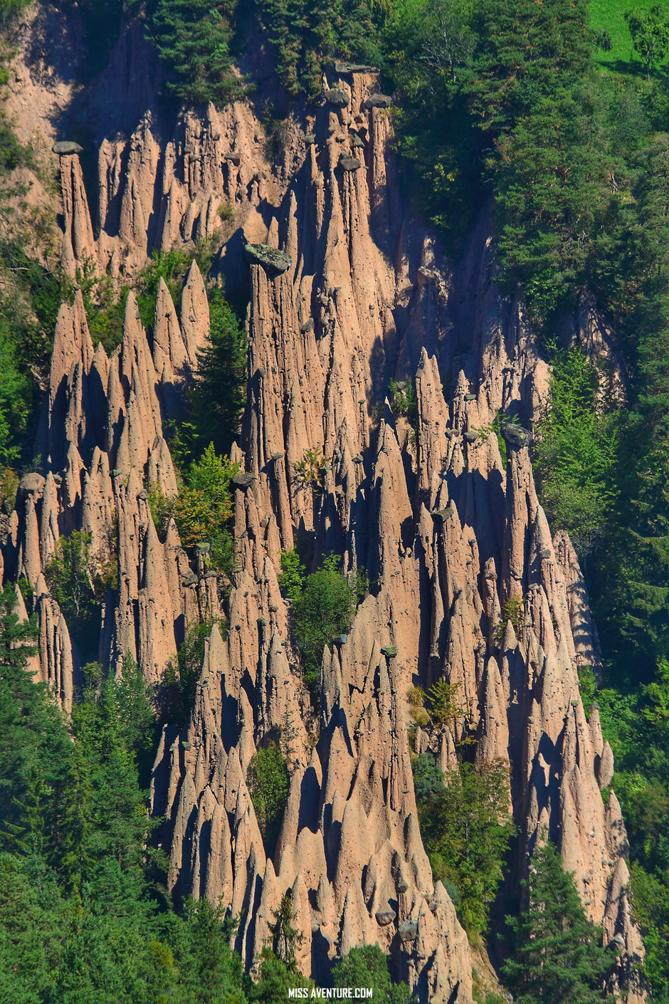 Pyramides de terre de Renon, DOLOMITES (Italie)  road trip dolomites. www.missaventure.com blog voyage d'aventures, nature et photos