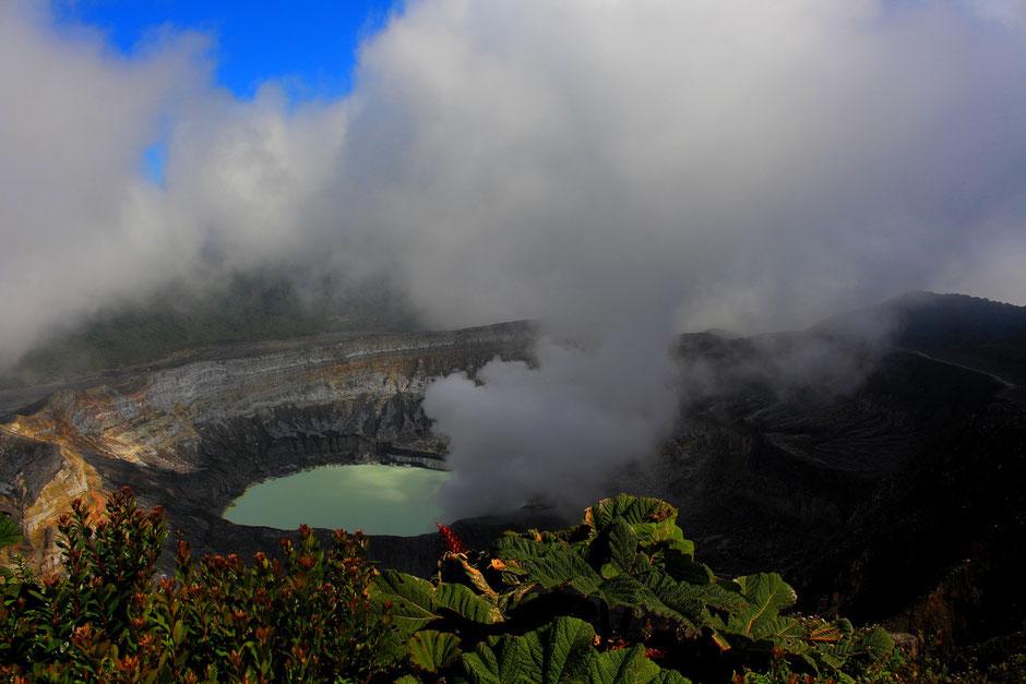 Volcan Poas, Vallée central. COSTA RICA. missaventure blog