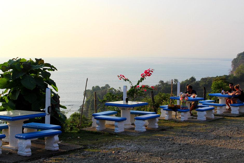 Ronny's place, Manuel Antonio, COSTA RICA. missaventure blog