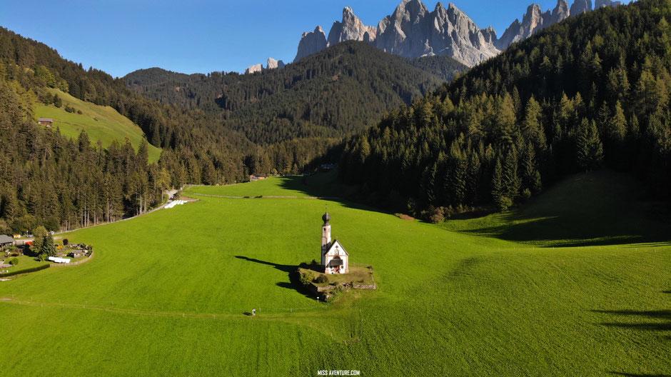 San Giovanni in Ranui, Val di Funes, DOLOMITES (Italie)  road trip dolomites. www.missaventure.com blog voyage d'aventures, nature et photos