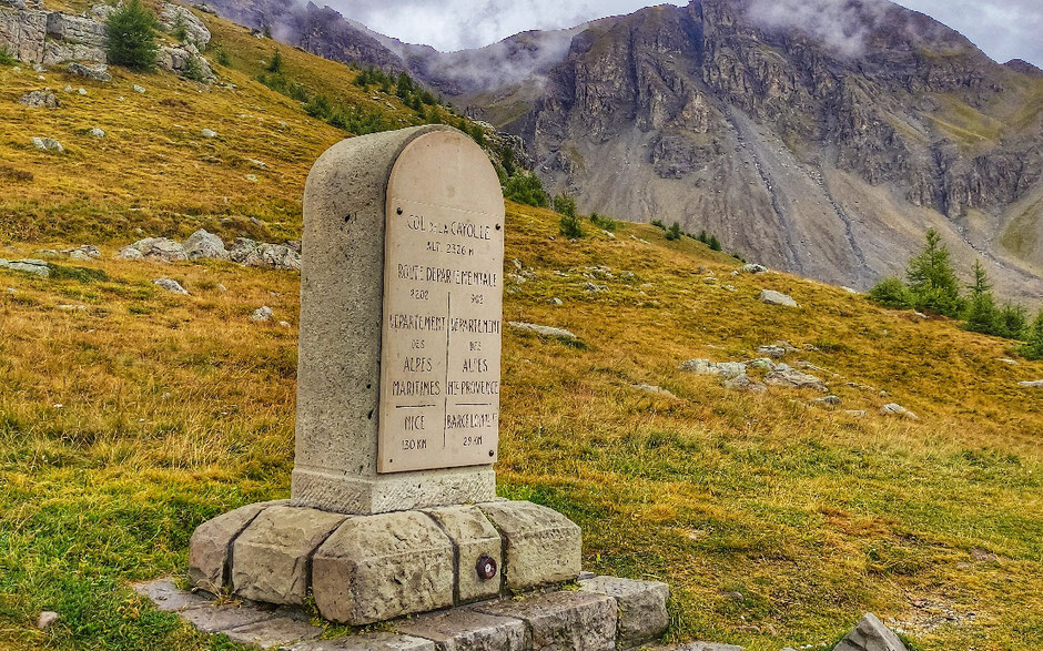 ROAD TRIP EN 4X4, SUR LA ROUTE DES GRANDES ALPES  (FRANCE). col de la Cayolle.   www.missaventure.com blog d'aventures, nature et reflexions green.