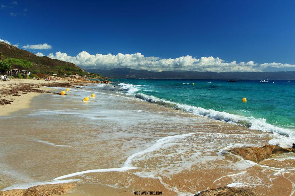 TOP 10 plus belles plages corses. PLAGE DE BARBICAJA. www.missaventure.com. blog voyage d'aventures nature et photos. Road Trip Corse du Nord au Sud.