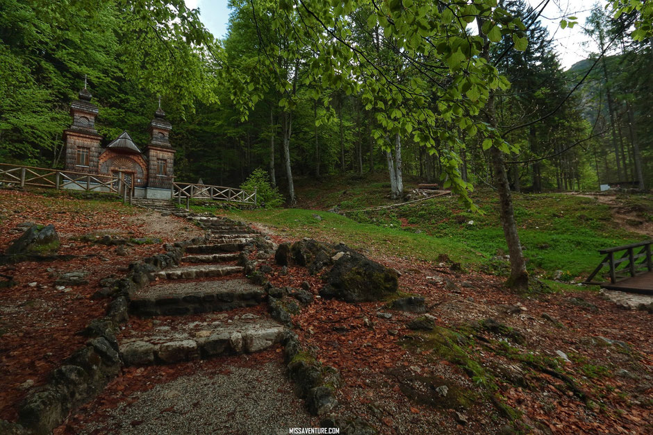 chapelle du col de Vrsic pass  ROAD TRIP EN SLOVENIE. www.missaventure.com blog voyage d'aventures nature et photos