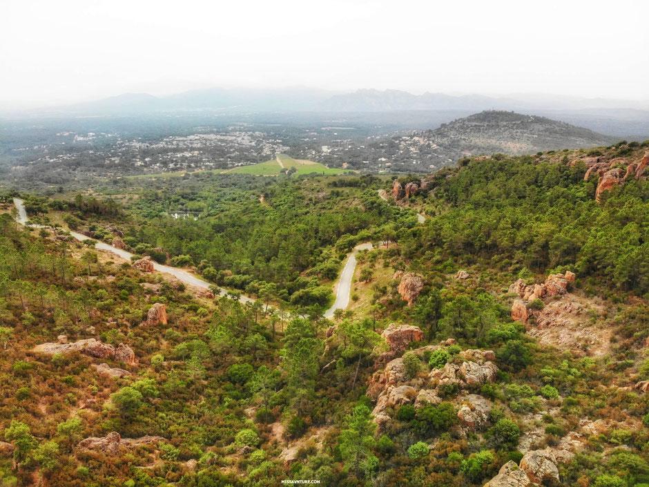 les gorges du Blavet,  en drone (FRANCE). www.missaventure.com blog d'aventures, nature et reflexions green.