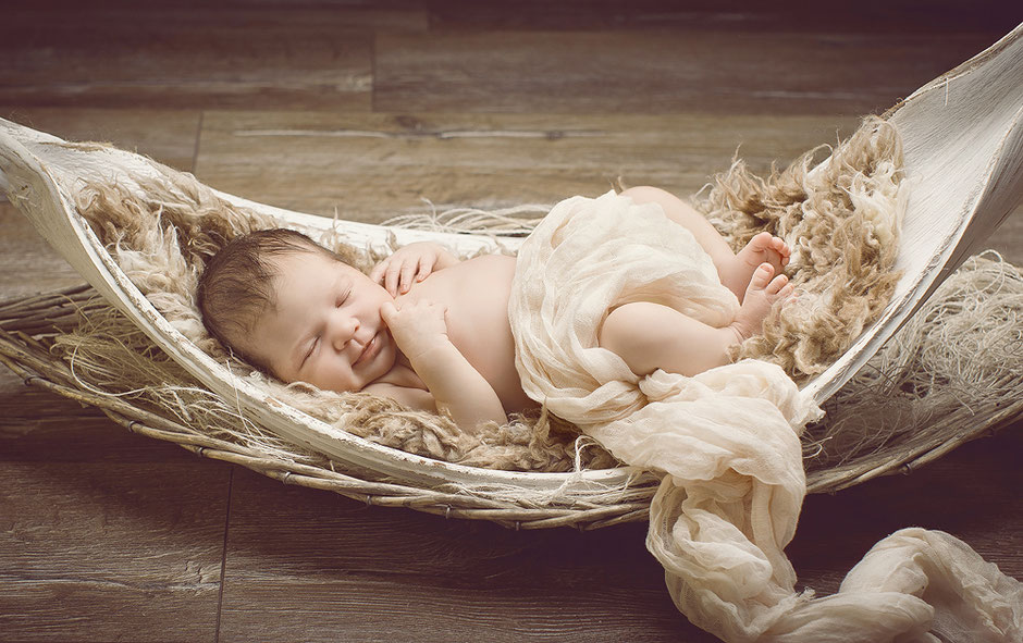 newborn, newborn fotoshooting chemnitz, babyfotografie chemnitz, babygalerie chemnitz, alternative krankenhausfotos, beondere babyfotos, newborn fotograf, fotoshooting mit baby, vintage babyfotos, babyfotos vintage, baby,