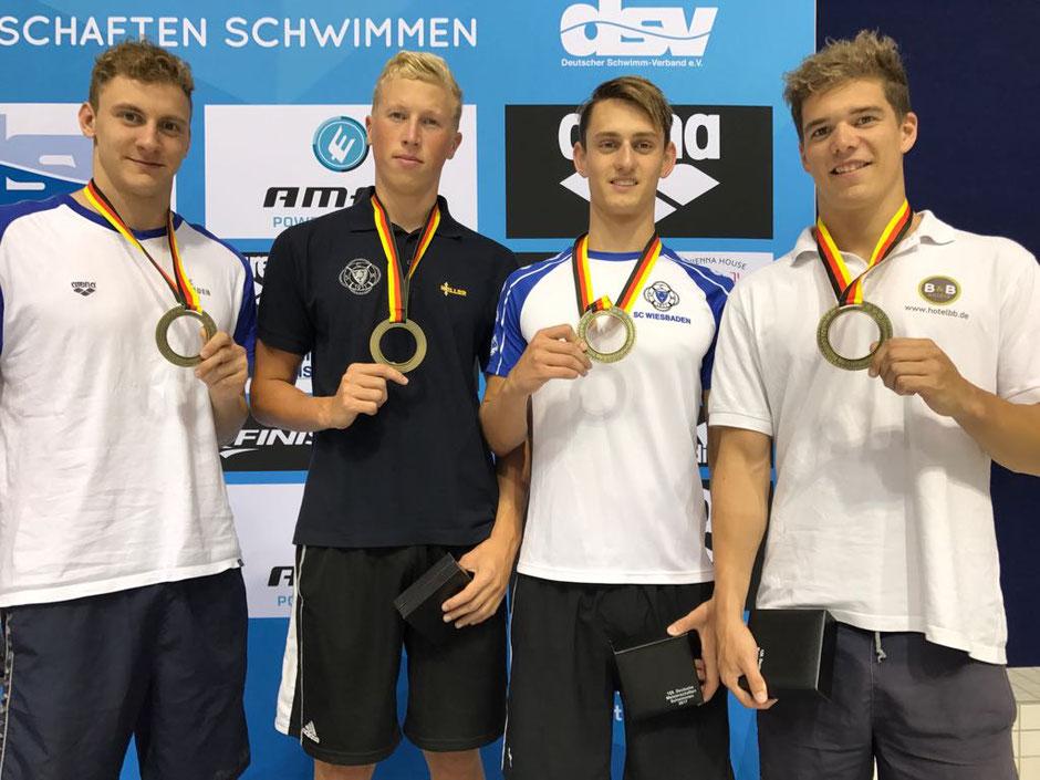 1. Mannschaft SC Wiesbaden 4 x 100 Meter Freistil / Bild: Oliver Großmann