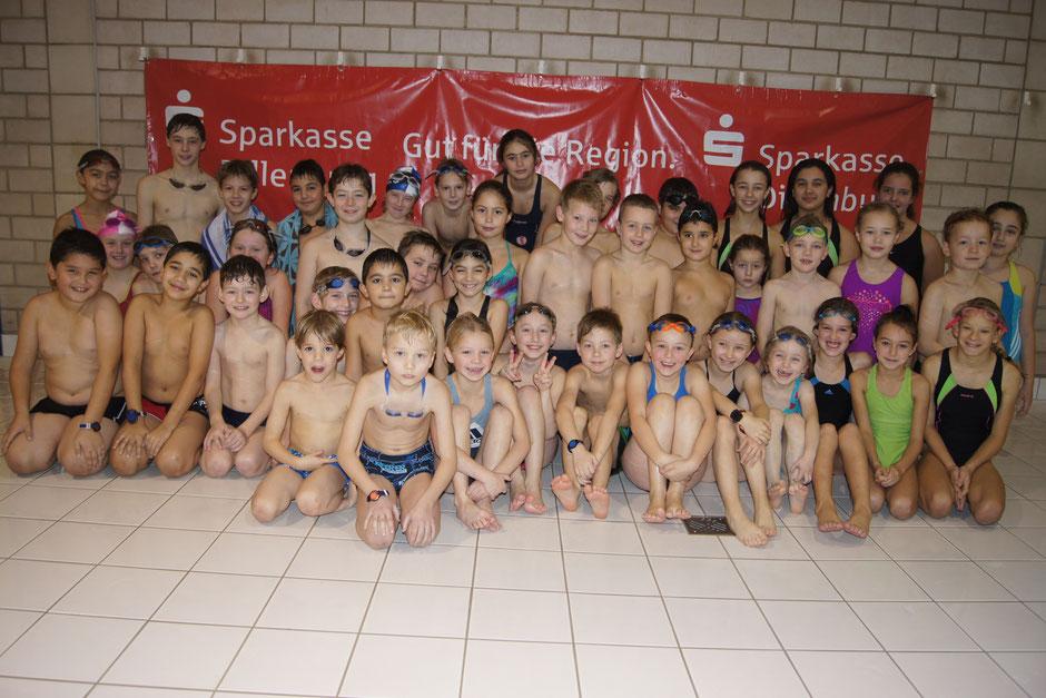 Seepferdchengruppe TV Dillenburg 2014 hinten links Rianne Rose / Foto: Ralf Hermann