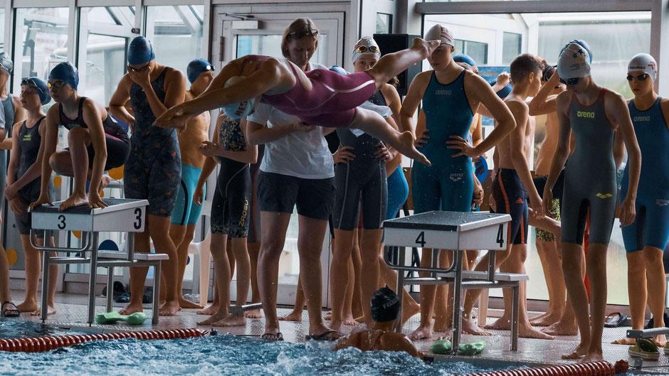 Aktive Schwimmjugend in Hessen bei Jugend trainiert für Olympia / Foto: Jens Kleinert