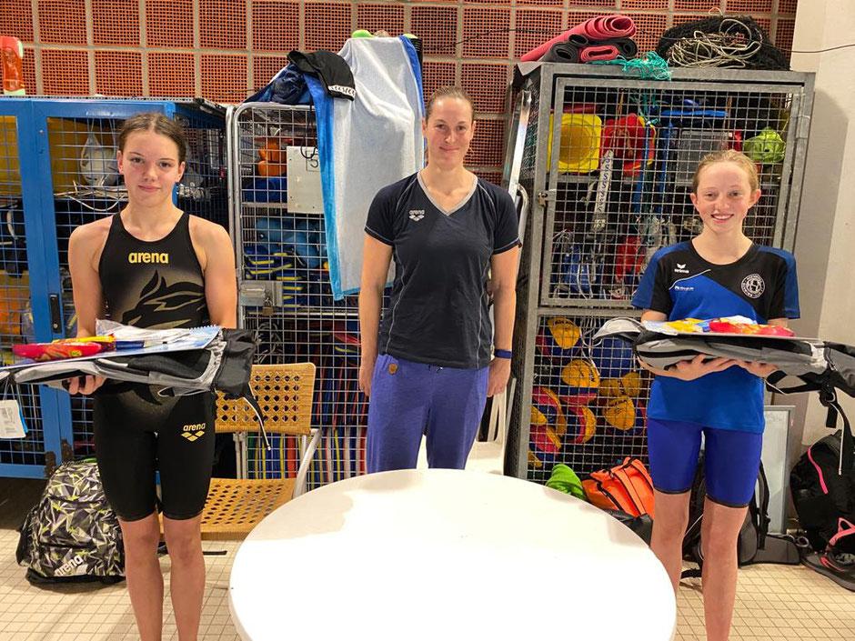 v.l.n.r. Anna Fiona Kuphal, Jenny Mensing (SC Wiesbaden), Hannah Schneider (Hofheimer SC) Bilder: SC Wiesbaden