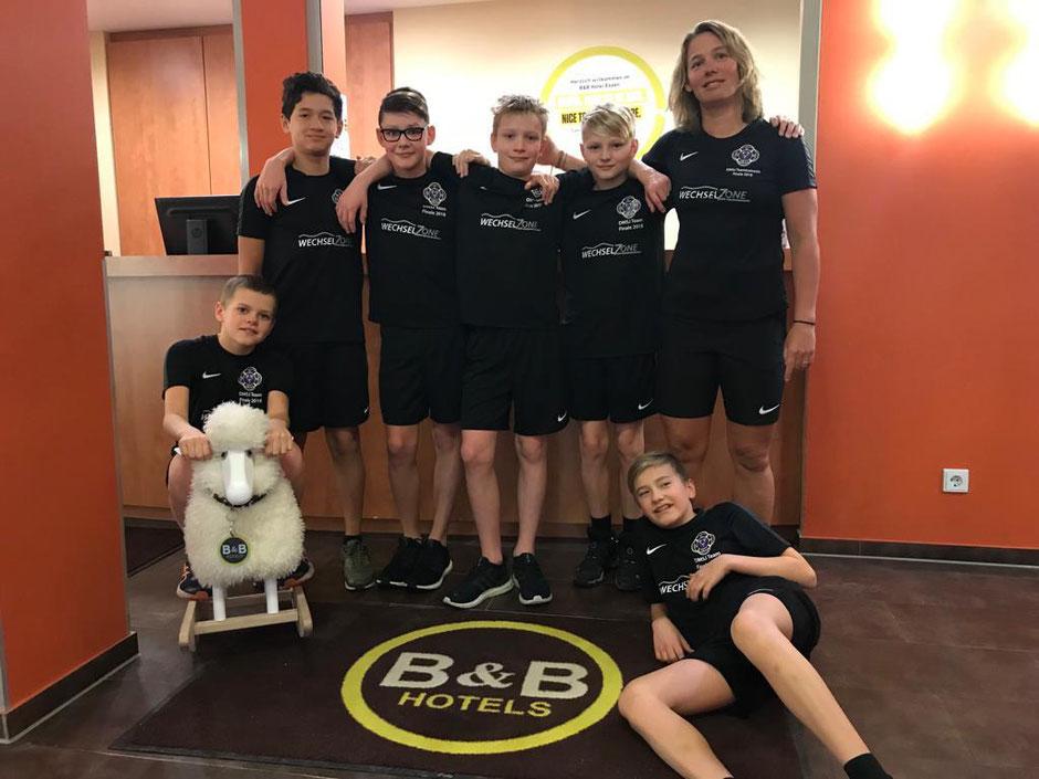 DMSJ Mannschaft des SC Wiesbaden mit Trainerin Anne Kuhn / Bild: Oliver Großmann