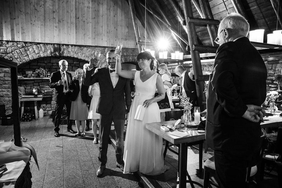 Hochzeit in der Räuberhütte Moritzburg. Freie Trauung in der Räuberhütte Moritzburg, Heiraten in Moritzburg, Hochzeit in Moritzburg, Hochzeitslocation Moritzburg. Hochzeitsfeier Räuberhütte Moritzburg, Location Hochzeit Moritzburg Räuberhütte