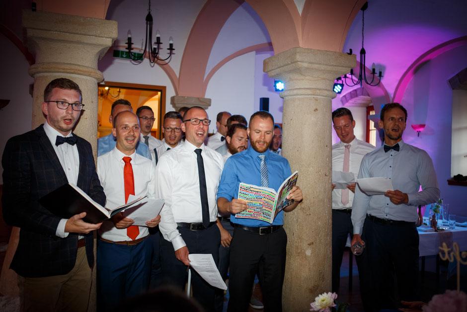 Hochzeitsfotograf Dresden, Hochzeit im Jugendgästehaus Liebethal, freie Trauung im Jugendgästehaus Liebethal, Hochzeitsfotos Jugendgästehaus Liebethal