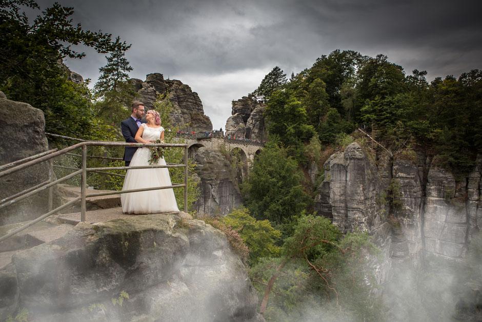 Hochzeitsfotograf Dresden, Hochzeitslocation Dresden, Hochzeit in Dresden, Hochzeit Sächsische Schweiz, Hochzeit auf der Bastei, Hochzeit Bastei, Heiraten in der Sächsischen Schweiz, Basteibrücke Hochzeit, Hochzeitsfotos Bastei