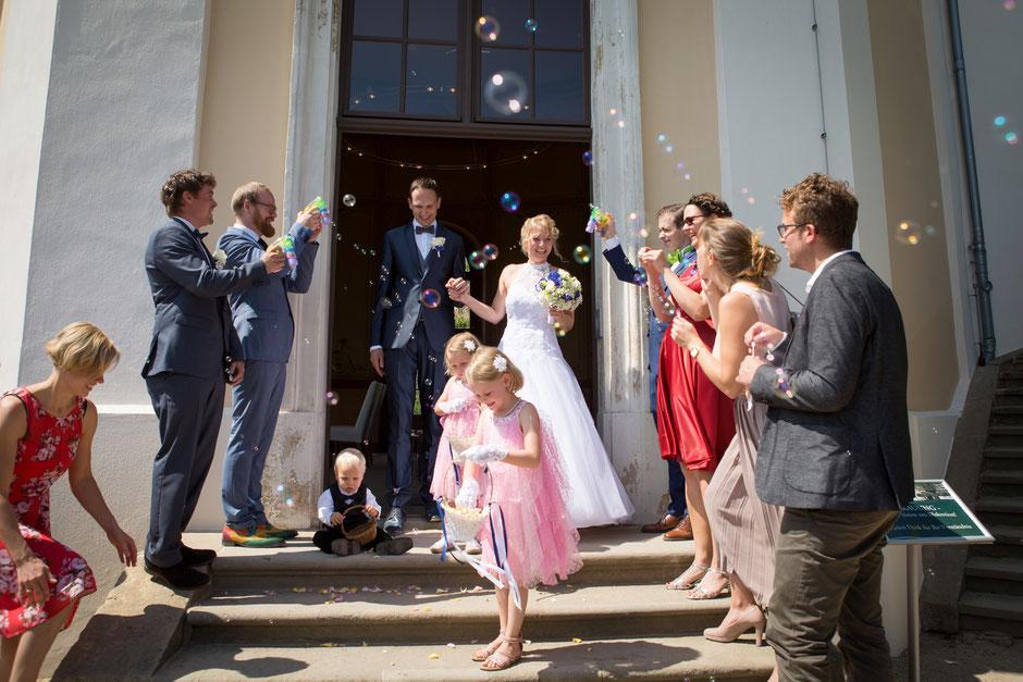 Hochzeitsfotograf Radebeul, Hochzeitsfotograf Schloss Wackerbarth, Hochzeit Schloss Wackerbarth, Heiraten in Radebeul, Hochzeit in Radebeul, Hochzeit auf Schloss Wackerbarth Radebeul, Schloss Wackerbarth Radebeul Hochzeitslocation