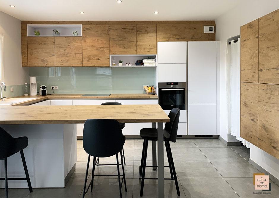 Rendu finalisé d'une cuisine bois et blanc, En Toile de Fond Décoration, Séverine EBER-HITZ