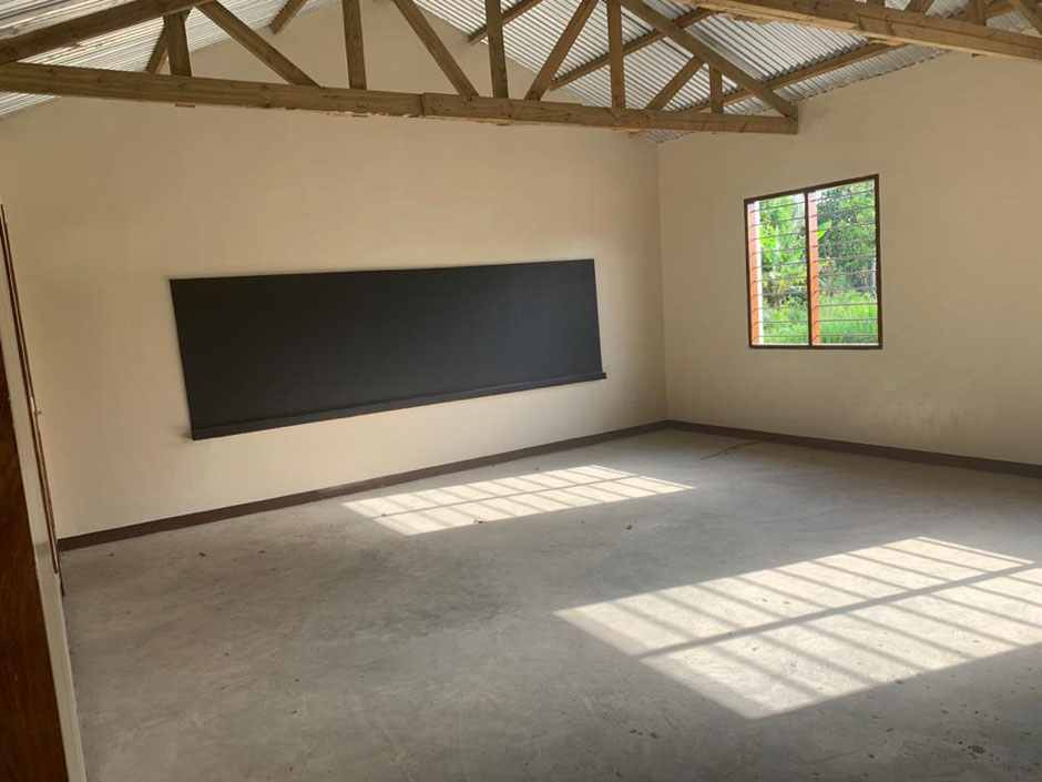 Markus hat die sieben Schulräume renovieren lassen. Der Staat zahlt nichts.