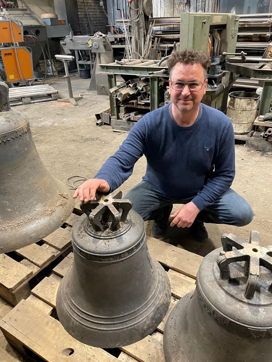 Unsere Glocke wurde von Rudolf Perner in Passau gegossen.