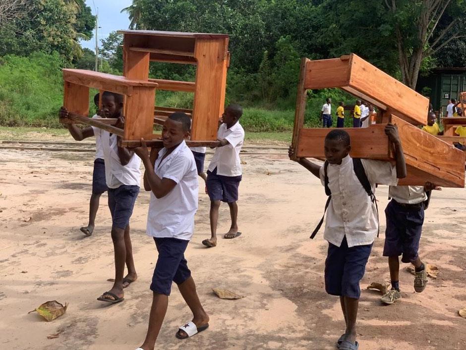 Probesitzen, ab in die Schule und Endstation Klassenzimmer.