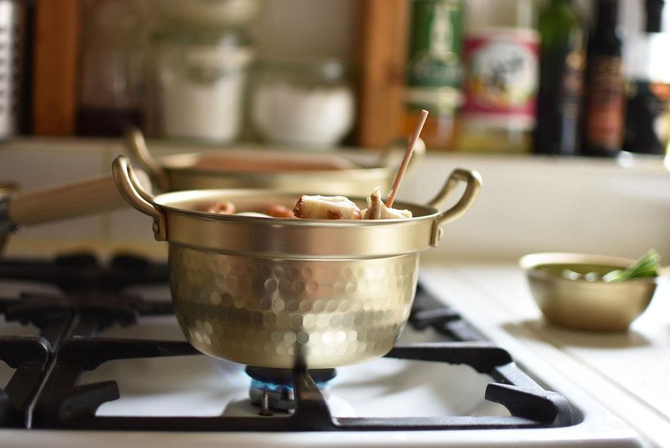 小さなアルミ鍋は日々の調理にかかせないホクアのアルミの小伝具