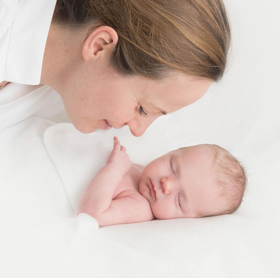 Babyfotografie mit Herz Wuppertal