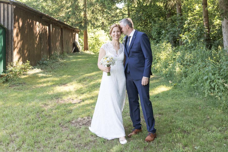 Gartenhochzeit Restaurant Waldesruh; Hochzeitsfotografin Salzkammergut; Hochzeitsfotograf Gmunden; Hochzeitsfotograf Vöcklabruck