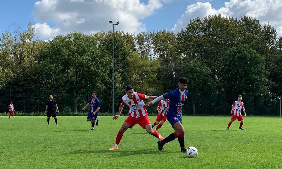 Rot Weiss Ahlen U18 gegen Ahlener Sport Klub; Fotos von Arndt Kempel
