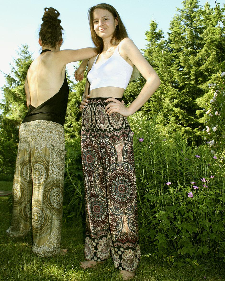 Yoga Damen mit Haremshose, Yogahose, Pluderhose (Mandala und Blumen Muster, bunt, Fairtrade)