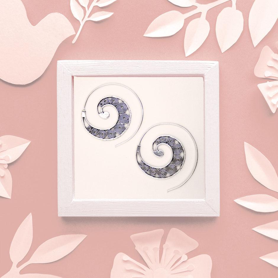 Ohrringe, Spirale, Messing versilbert, Fairtrade