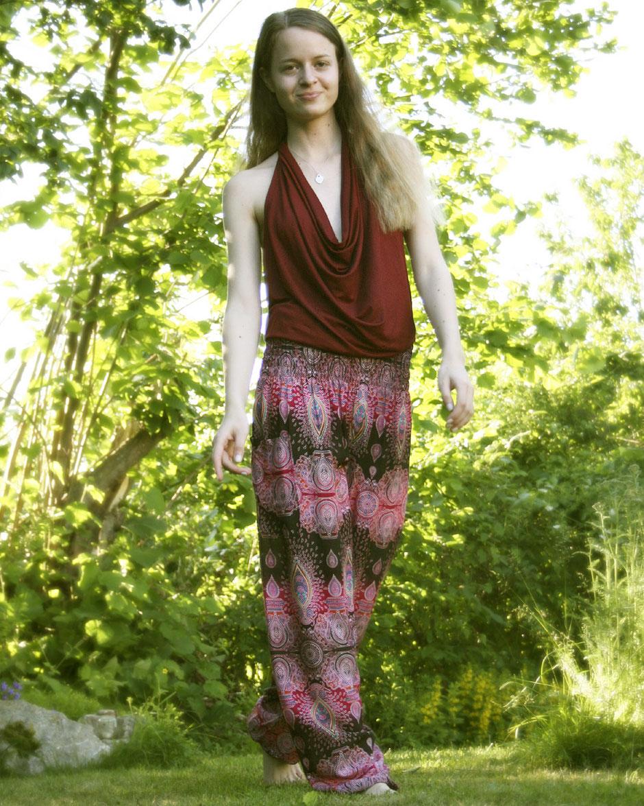 Fair, schön und gemütlich: 'Be shanti!' Haremshose / Yogahose / Pluderhose / Chillerhose mit Mandala-Muster, pink, schwarz